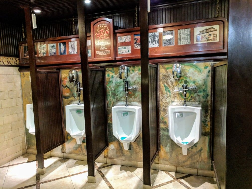 The_Berlin_Wall_Urinals