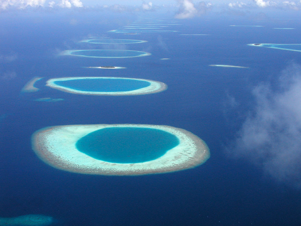 Maldives_atoll