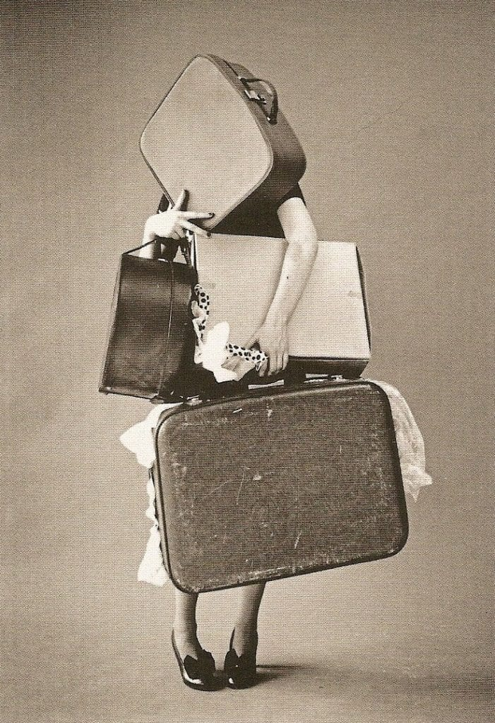 Tim_Walker_Lady_With_Baggage_Iris
