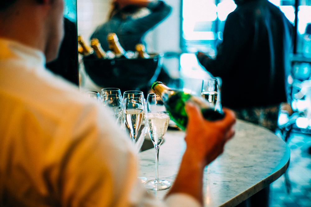 Champagne_Service