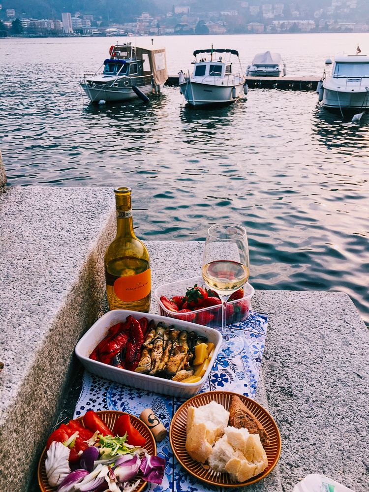 Hiking_luxe_picnic