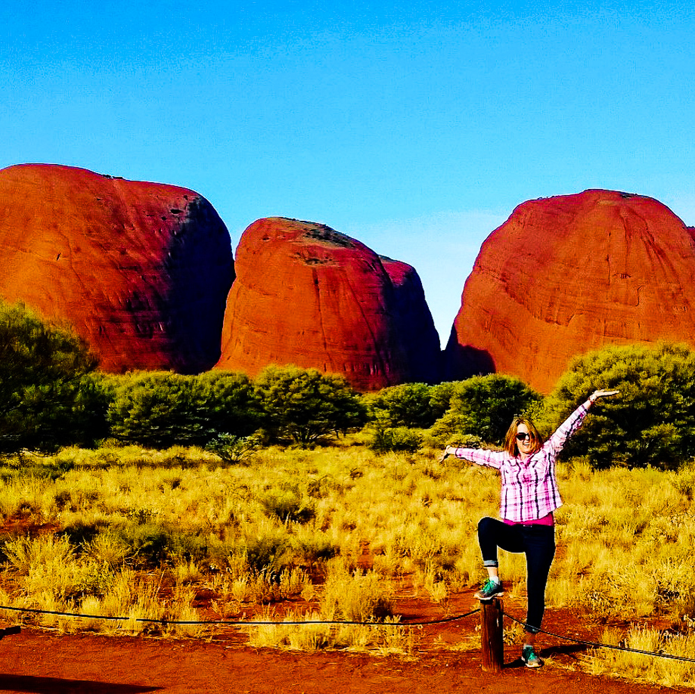 woman-in-front-of-kata-tjuta