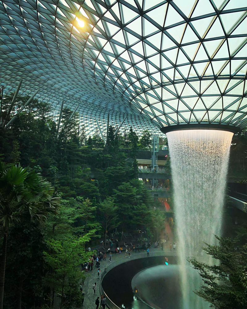 interior-changi-rec-area-waterfall
