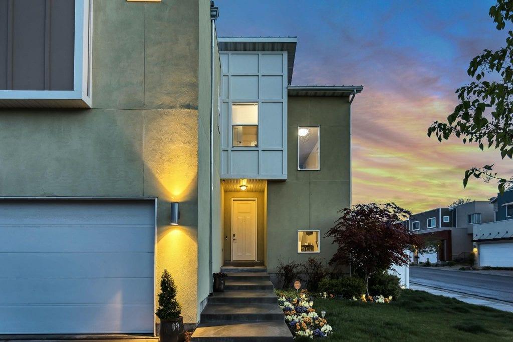 modern-home-entryway